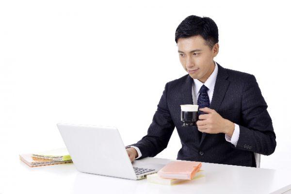 仕事中の眠気覚ましにコーヒー
