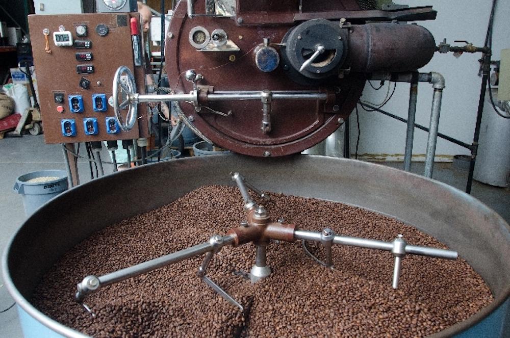 ディカフェのコーヒー豆を焙煎