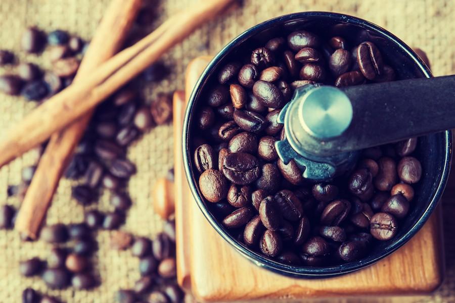 挽き 方 豆 コーヒー コーヒー豆の挽き方は淹れる器具で決まる!器具別5つの挽き目を紹介